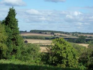 View of Leam valley from near Offchurch village hall (Frances Wilmot)